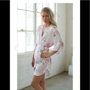 9081c47c70 Sincerely Sofi Intimates   Sleepwear - NWOT💜SINCERELY SOFI💜Floral Kimono  Style Robe